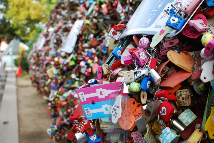 The time we went to the base of N Seoul Tower and saw all the Love Locks